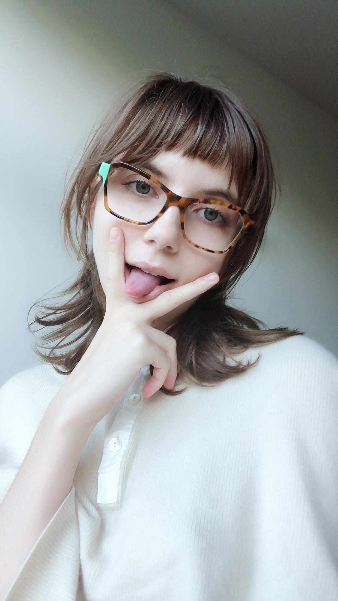 https://liararoux.xxx/wp-content/uploads/2018/10/Liara-Roux-Selfies-and-Snapshots-September-2018-039.jpg